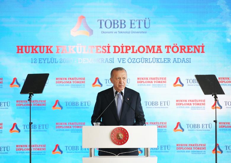 """Cumhurbaşkanı Erdoğan, """"Hayata geçirdiğimiz reformlarla demokrasimizin üzerindeki tüm vesayet izlerini ortadan kaldırdık"""""""