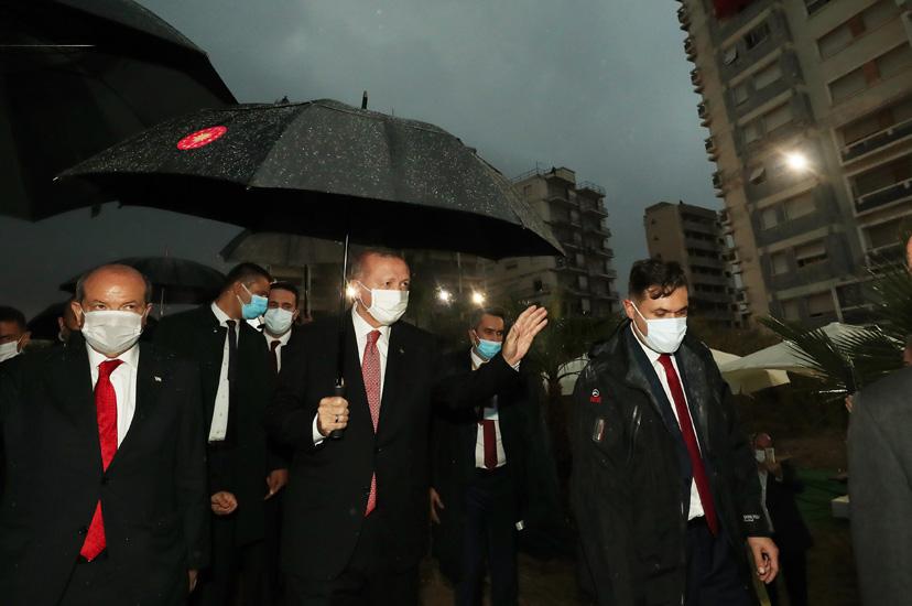 Cumhurbaşkanı Erdoğan, KKTC'de Kapalı Maraş bölgesinde incelemelerde bulundu