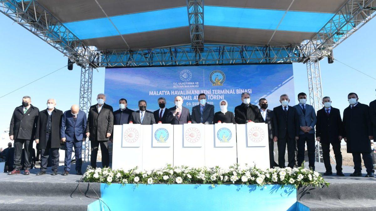 Dev yatırımlar | Ulaştırma Bakanı Adil Karaismailoğlu, Malatya Havalimanı Yeni Terminal Binası Temel Atma törenine katıldı