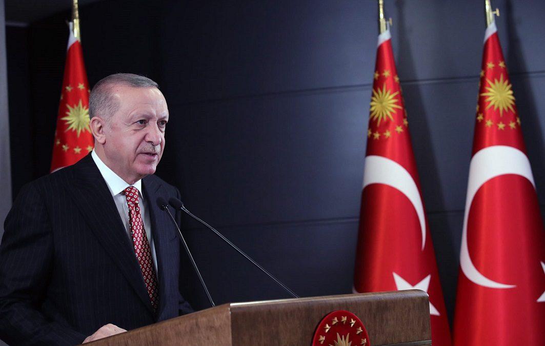 """Cumhurbaşkanı Erdoğan, """"Ülkemizin dört bir yanına eserlerimizle, yatırımlarımızla, hizmetlerimizle mührümüzü vuruyoruz"""""""